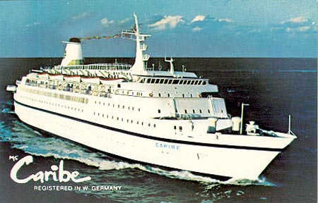 Commodore Cruise Line Cruise Ship Postcards - Discovery sun cruise ship