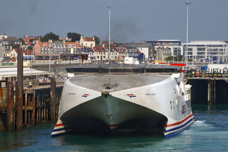 Condor Express at St Peter Port - Photo: © Ian Boyle, 30th August 2008 - www.simplonpc.co.uk