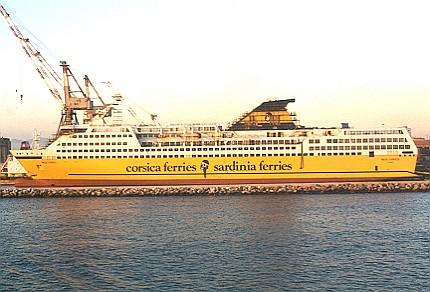 Ponte de comando de um navio de cruzeiro fotos for Mega express 2 piscine