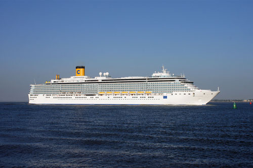 COSTA DELIZIOSA passing Felixstowe - Photo: � Ian Boyle, 4th June 2010 - www.simplonpc.co.uk