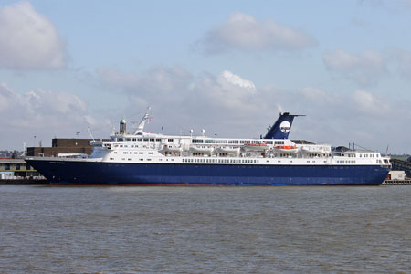 Ocean Countess at Tilbury - Photo: � Ian Boyle, 15th April 2010