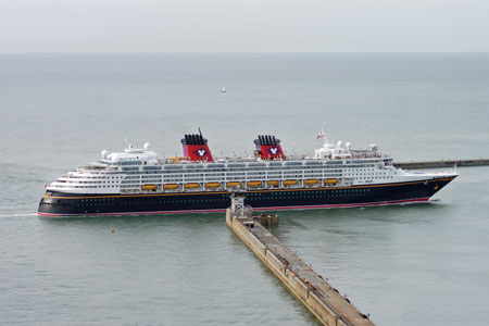 DISNEY MAGIC at Dover - Photo: © Ian Boyle, 6th July 2010 - www.simplonpc.co.uk