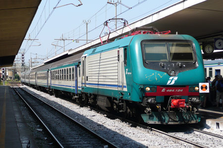 Train at  Livorno - Photo: © Ian Boyle, 23rd August 2009