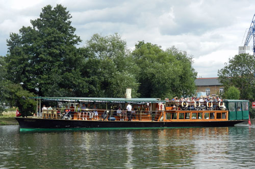 Steam Launch STREATLEY - French Brothers - Photos: �2013 Mike Tedstone