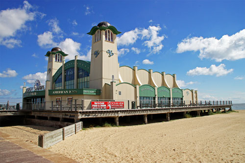 WELLINGTON PIER - Great Yarmouth - Photo: � Ian Boyle,12th July 2012 - www.simplonpc.co.uk