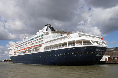 PRINSENDAM - Photo: © Ian Boyle, 28th August 2010 - www.simplonpc.co.uk