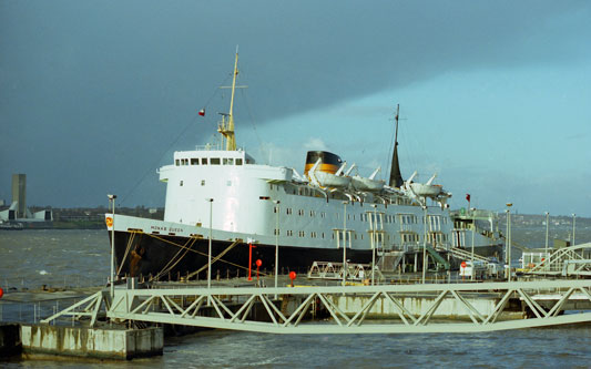 MONA'S QUEEN - IOMSPCo - Simplon Postcards - simplonpc.co.uk - Photo: ©1981 Ian Boyle