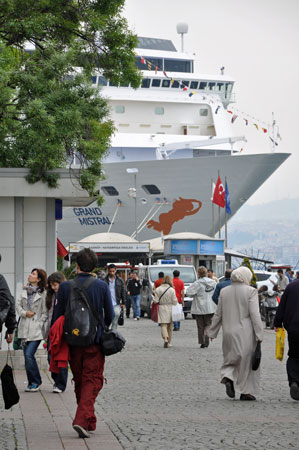 GRAND MISTRAL - Istanbul - Photo: �2011 Hikmet Tunkel - www.simplonpc.co.uk