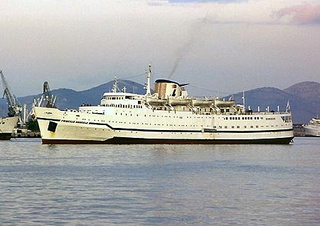 Princesa Amorosa -  Louis Cruise Lines - www.simplonpc.co.uk