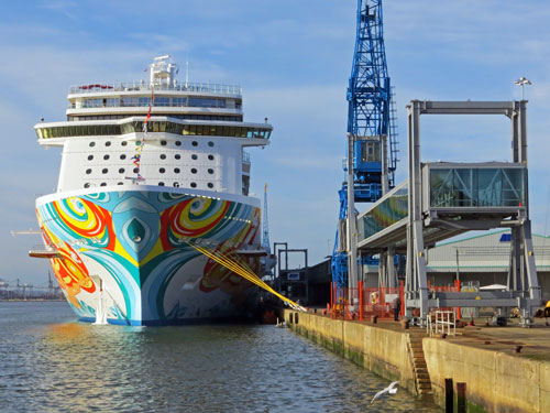 NORWEGIAN GETAWAY - www.simplonpc.co.uk - Photo: ©2014 Ian Boyle