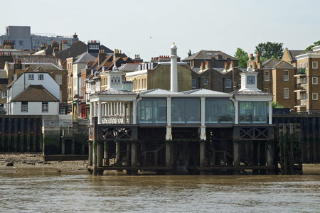 GRAVESEND TOWN PIER - Photo: � Ian Boyle, 9th June 2008 - www.simplonpc.co.uk