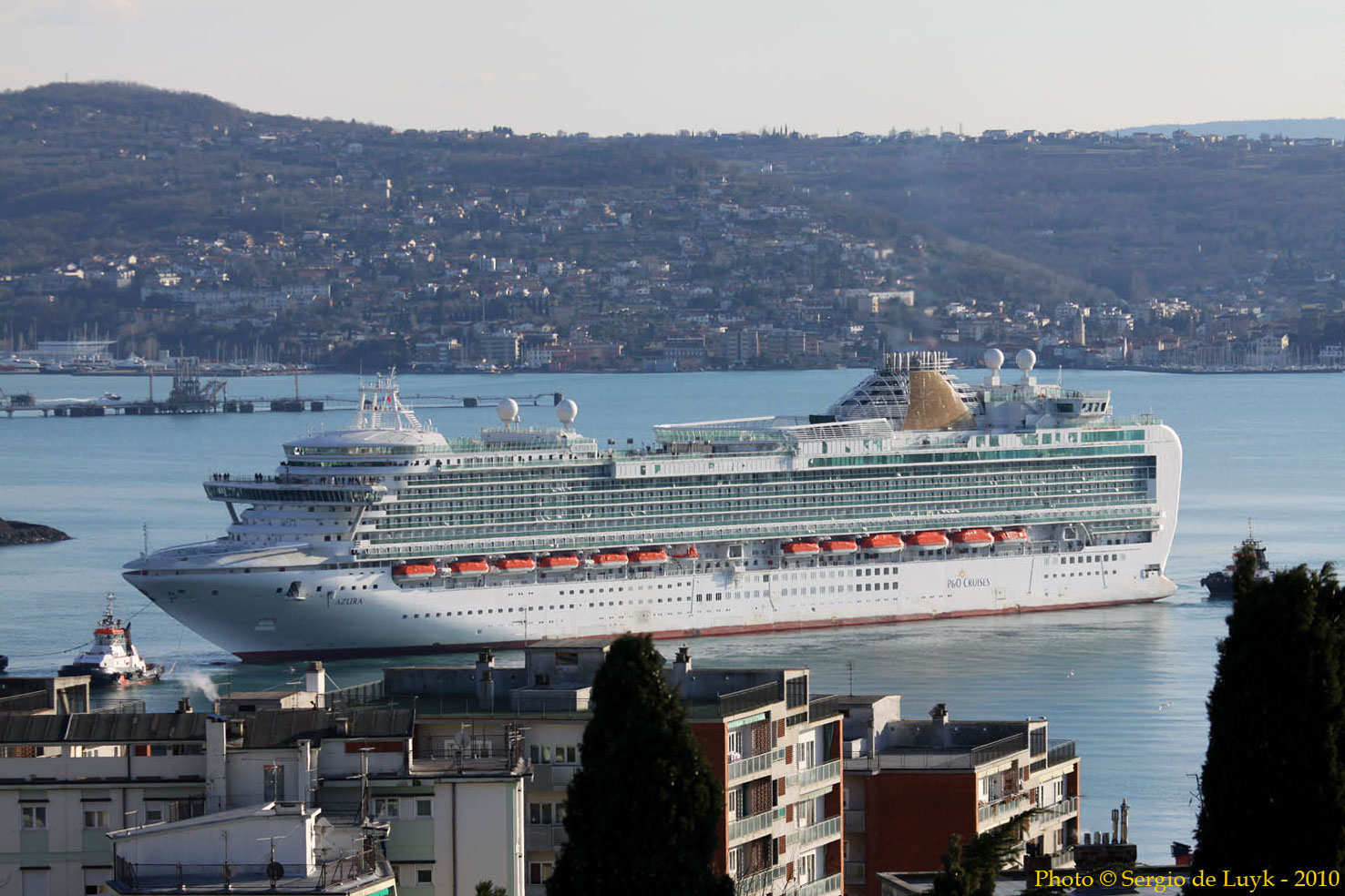 Azura+cruise+ship+photos