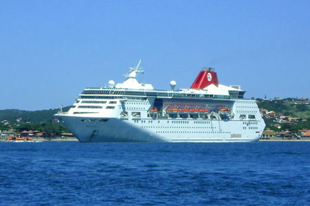 Empress (Pullmantur) - Photo: © Daniel Capella 27th March 2010