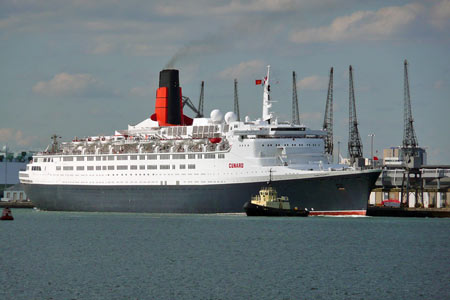 Queen Elizabeth 2- Cunard - www.simplonpc.co.uk - Photo: © Ian Boyle, 24th July 2007