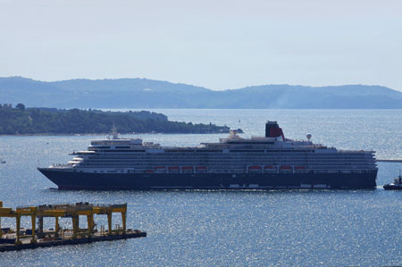 QUEEN ELIZABETH - Photo: © Sergio de Luyk, 15th August 2010