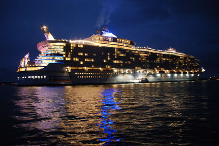 Oasis of the Seas - Photo: © Andrew Cooke, 2nd November 2009