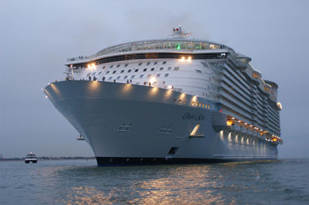 Oasis of the Seas - Photo: � Andrew Cooke, 2nd November 2009