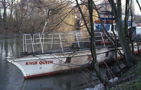 ORIGINAL RIVER QUEEN - Photo: �1983 Greg Beeke