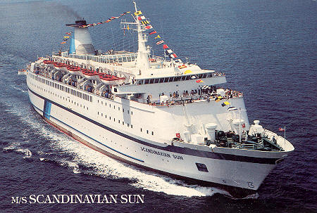 Scandinavian World Cruises SeaEscape Ship Postcards - Discovery sun cruise ship