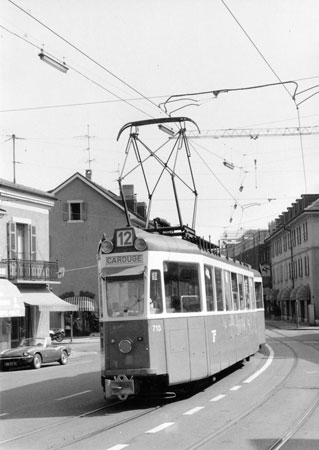 Geneva Tram 713 - Photo:   Ian Boyle, August 1986 - www.simplonpc.co.uk