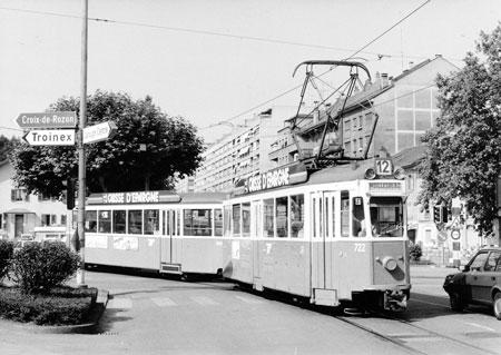 Geneva Tram 722 - Photo:   Ian Boyle, August 1986 - www.simplonpc.co.uk