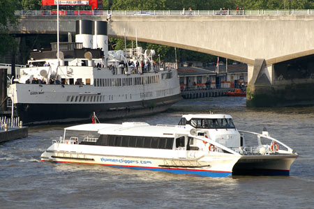 Moon Clipper - Thames Clippers -  Photo: © Ian Boyle - www.simplonpc.co.uk