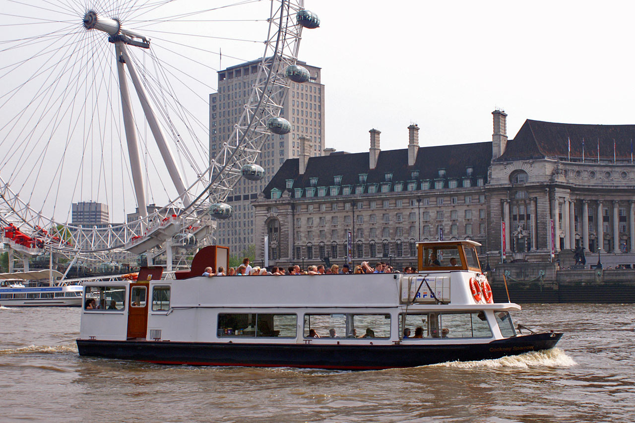 Cockney Sparrow  Thames River Boats  Thames Excursion Boats  Photographs