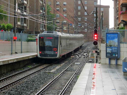 Bilbao Metro - Photo:   Ian Boyle, 27th May 2015 - www.simplonpc.co.uk