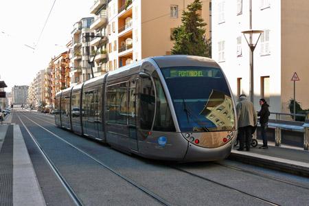 nice tramway ligne 2
