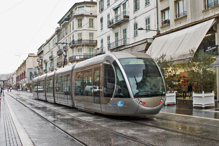 Tramway de Nice - Photo: © Ian Boyle, 16th February 2010