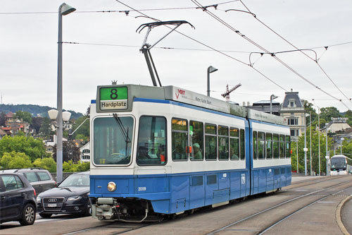 Zurich Tram 2000 - www.simplonpc.co.uk - Photo: ©2011 Ian Boyle